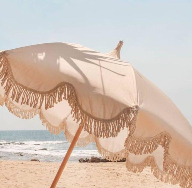 #summer on my mind ☀️ • • • • • • #inspo #aestheticlypleasing #postitforaesthetic #beigeaesthetic #minimalstyle #balticbeach #neutrals #tenuedujour #neutralstyle #neutralshades #neutralpalette #neutrals #simpleandpure #simplebeyond #vintageaesthetic #beachvibes #sea #tumblr #baltic #beach #summertime #girl #s #lovesea #beachtime #summermood #picnic #mybeigelife #parisiangirl #beigepalette