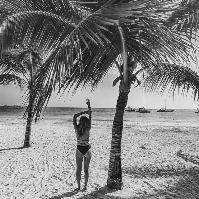 Beautiful @podstawka in Malawi one piece🖤 • • • • • • #aesthetic #aestheticlypleasing #beachwear #swimwear #swimsuit #blackonepiece #openbackswimsuit #strappyback #blackbikini #highwaistbikini #bikinigirl #bikinibody #body #girls #beautiful #bikinilife #summer #fashion #sunnyday #misseiwoman #summertime #style #instafashion #beach #design #holiday #palmtrees  #polskamarka